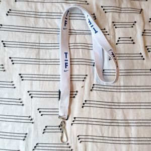 ✨4 FOR $15✨ RARE exclusive Nike track lanyard